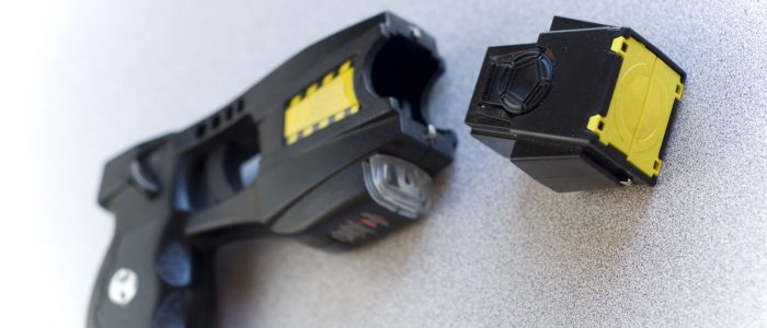 Exploring The Pros And Cons Of Stun Guns And How You Can Use Them?
