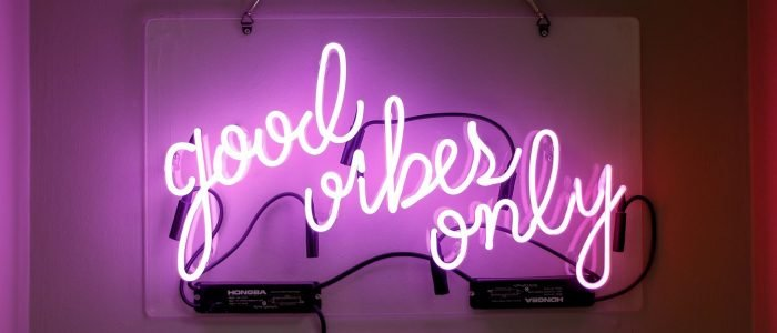What are neon signs- their uses in day to day activity?
