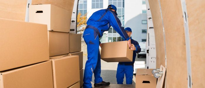 Why Should A Person Choose To Hire The Professional Movers?
